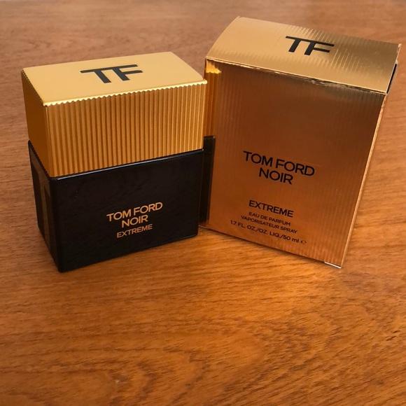 5f2b29a05b1 Tom Ford Noir Extreme (Eau De Parfum). M 5ab6bd2b00450f7f944aaff8